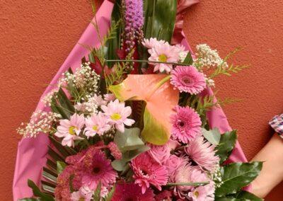 Ramo funerario de flores variadas